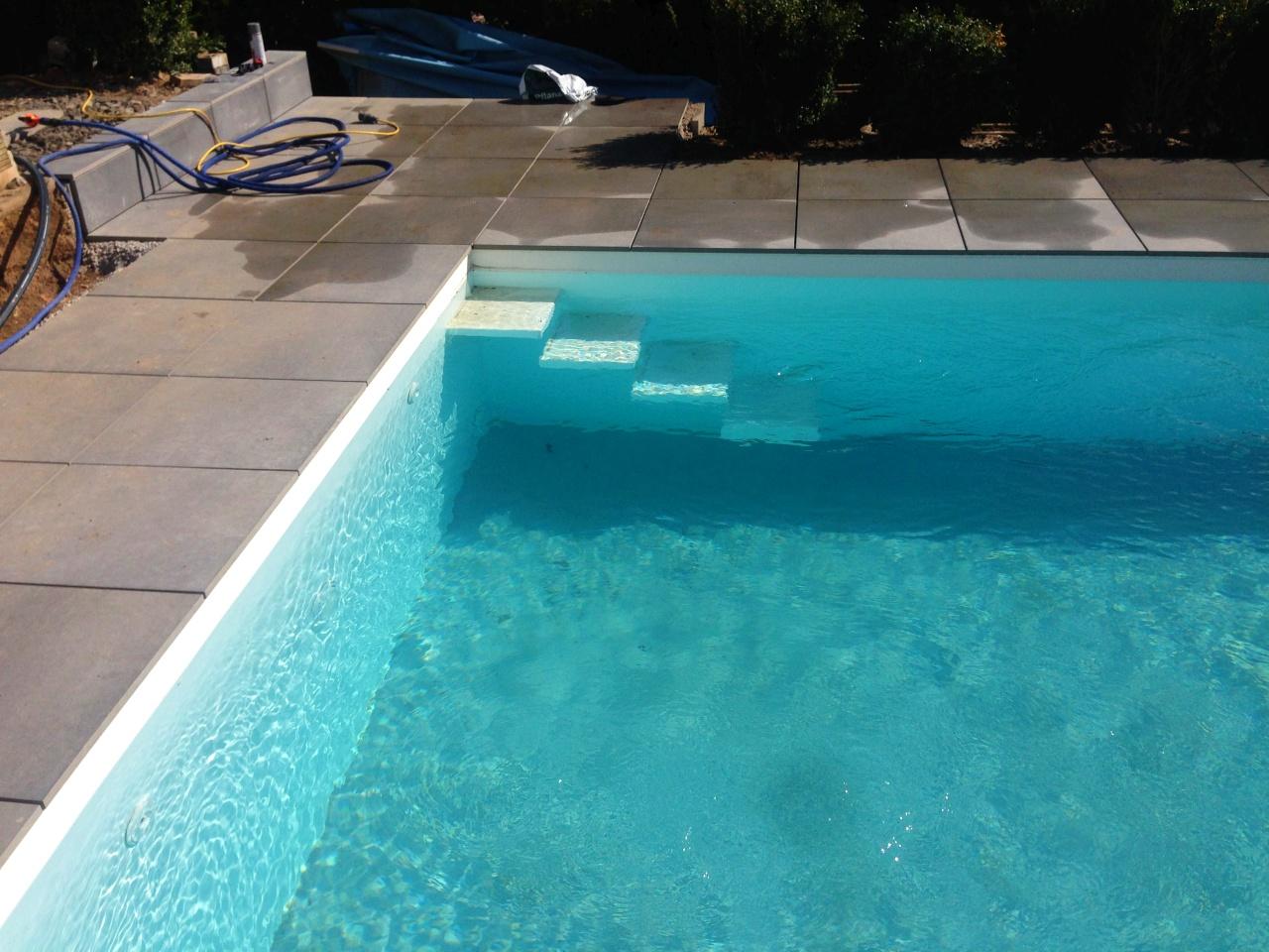 Vogel pool gmbh schwimmbecken aus polypropylen gfk und for Pool im boden
